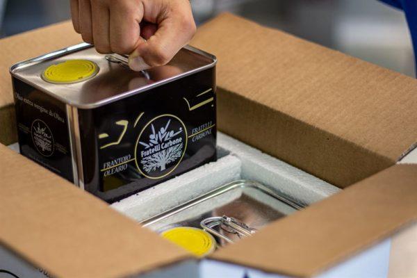 10 Litri di Olio Extravergine di oliva lucano genuino come una volta: Stagne da 5 litri nelle confezioni in polistirolo pronte per la spedizione