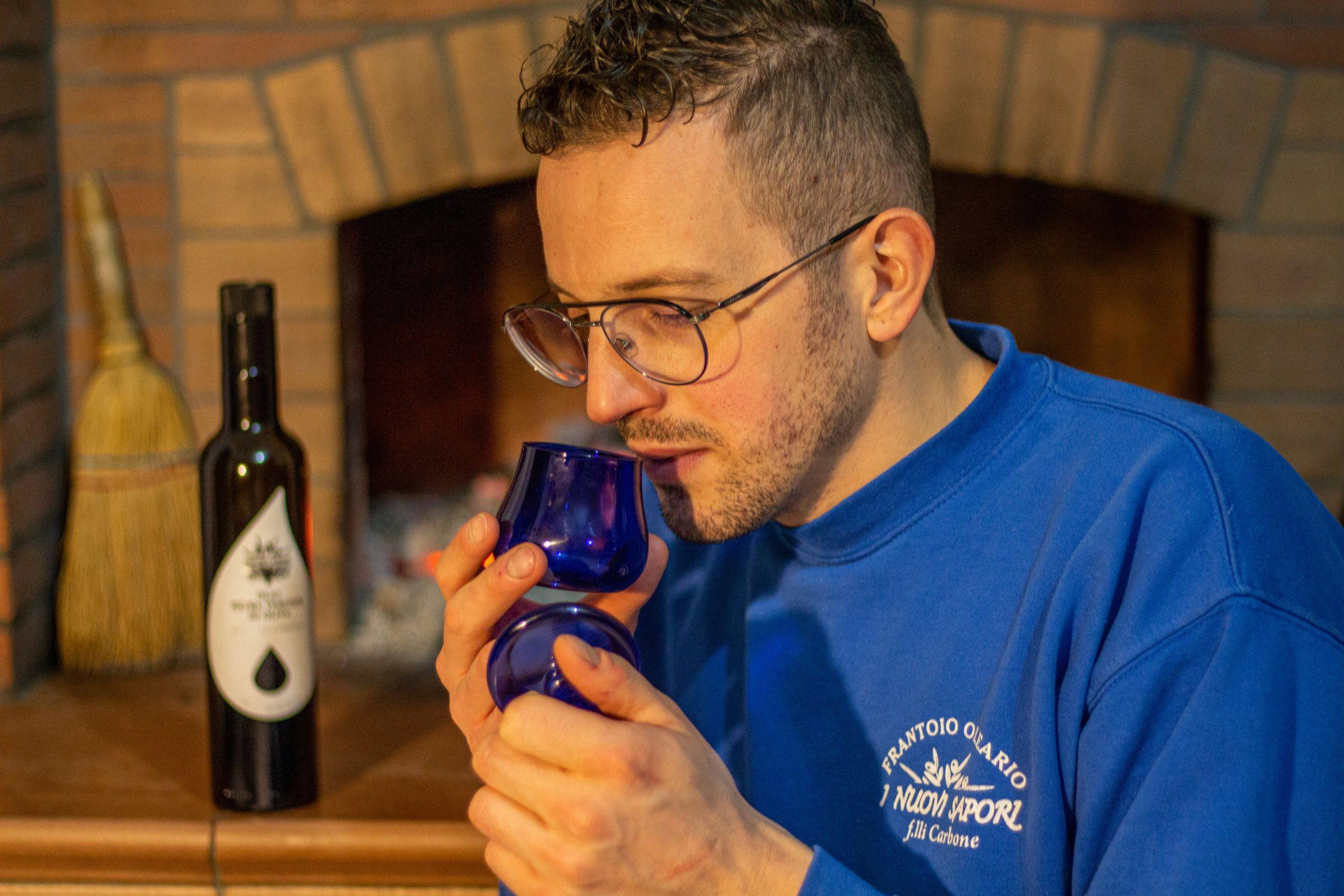 degustazione olio: come allenare l'olfatto.