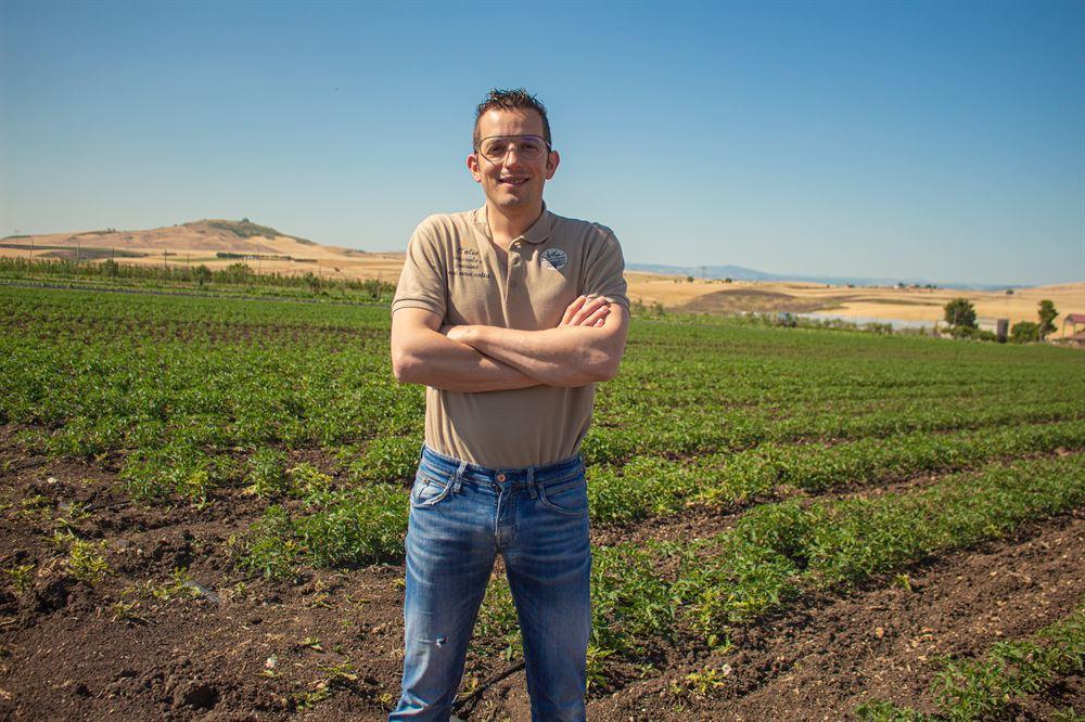 Passata di pomodoro lucana | Antonio nel campo dei pomodori